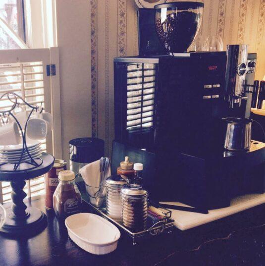 Experience the Inn, Oak Hill Bed & Breakfast