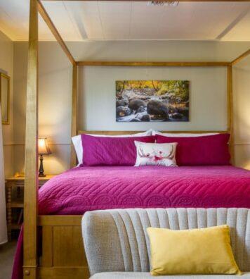 Ashland Creek Room, Oak Hill Bed & Breakfast
